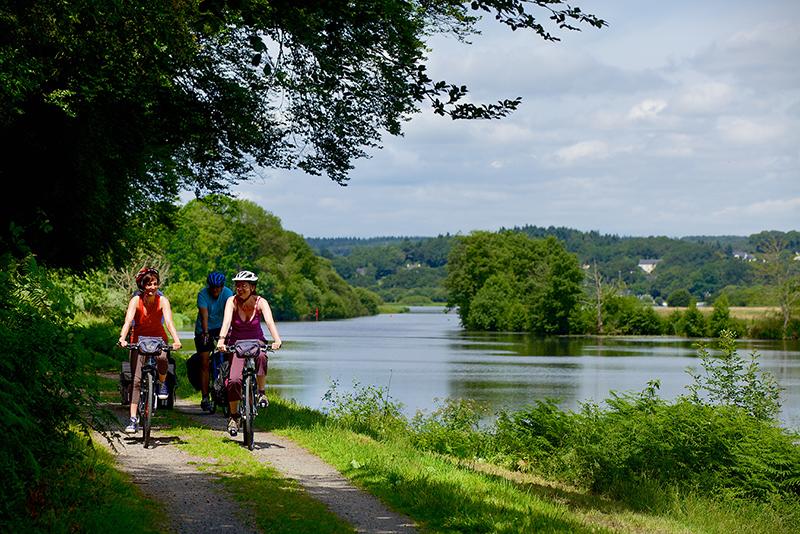 Balade en vélo sur le chemin de halage - SBourcier