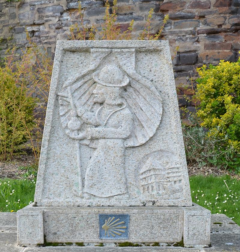 Stèle Pèlerins de St jacques de Compostelle à Redon - AMahe